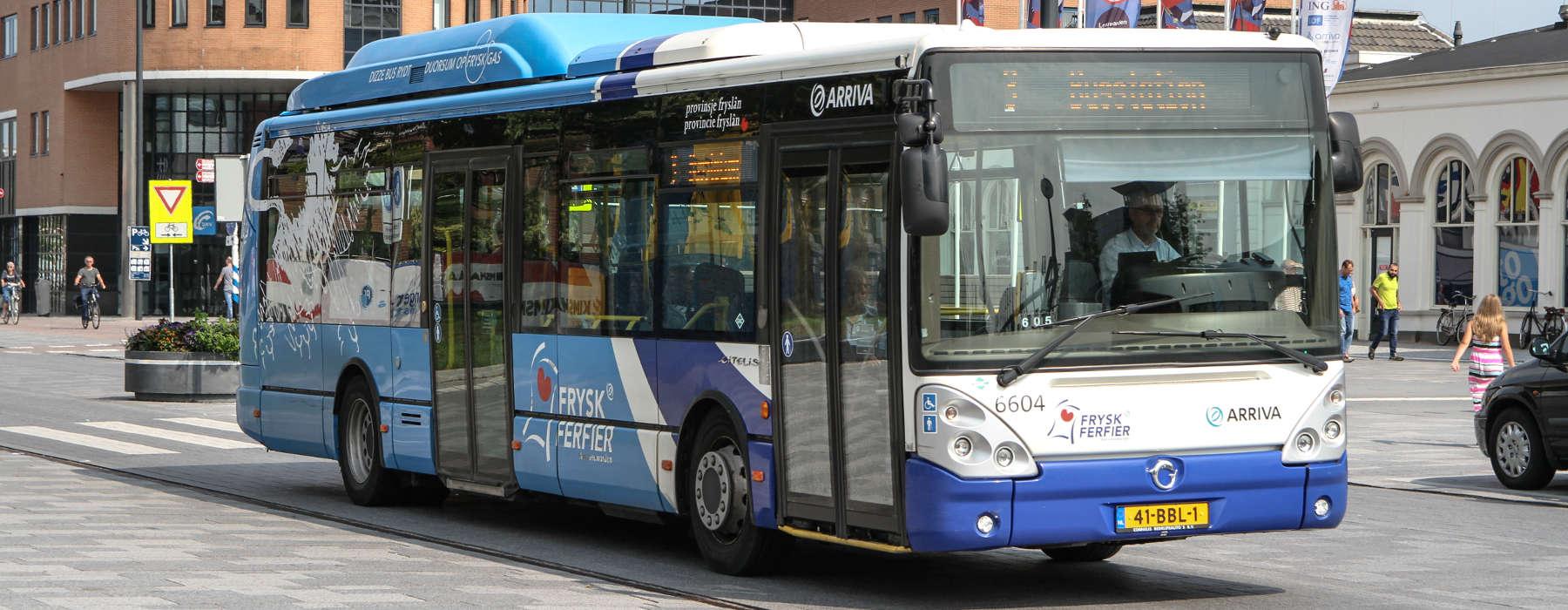 Nijs FNP - Ferfier yn Fryslan - Blauwe Arriva bus
