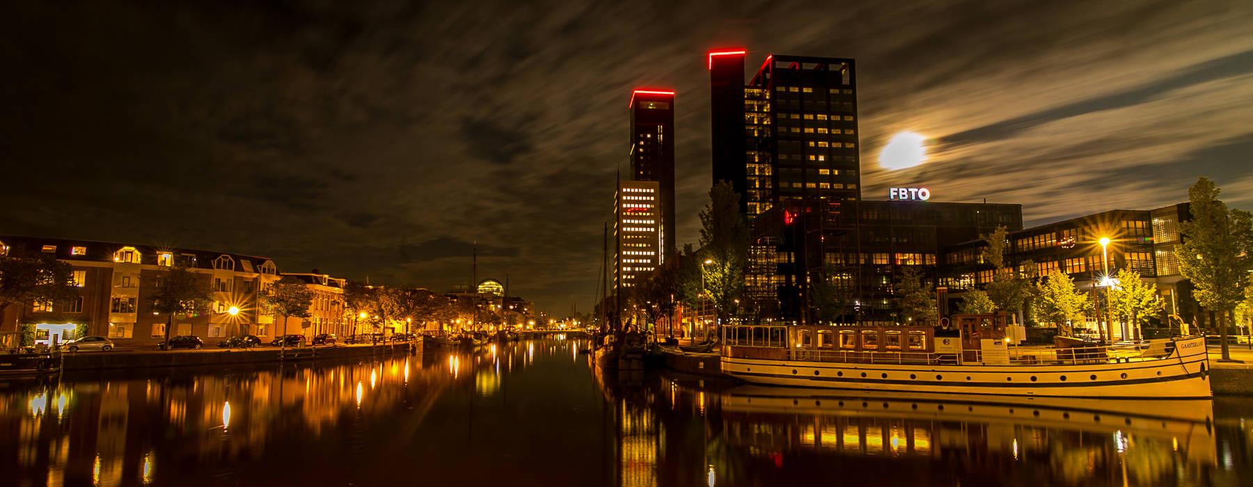 Nijs Gemeente Ljouwert - By nacht